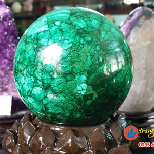 quả cầu đá Malachit long cong